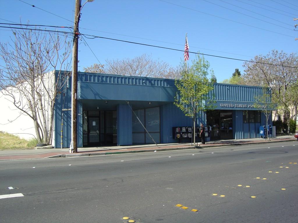 2041 East street 2041 East